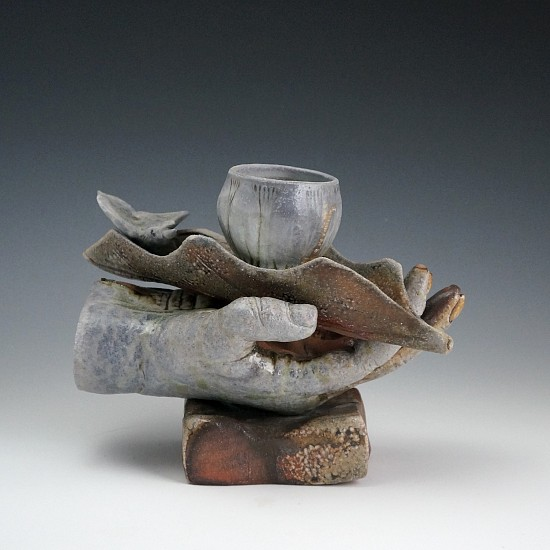 Gina Freuen, Hand Held 2020, porcelain, soda fired